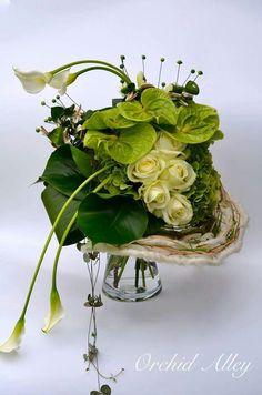 Via Fusion Flowers magazine. Modern Flower Arrangements, Orchid Arrangements, Floral Bouquets, Wedding Bouquets, Wedding Flowers, Hotel Flowers, Japanese Flowers, Simple Flowers, Arte Floral