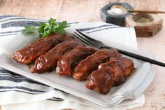 Spices and maple syrup flavor the homemade barbecue sauce for these delicious boneless country-style pork ribs. The ribs are baked with the sauce. Barbecue Recipes, Barbecue Ribs, Bbq Meals, Grilling Recipes, Baked Country Style Ribs, Country Style Pork Ribs, Pork Rib Recipes, Pecan Recipes, Diners