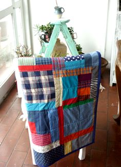 Patchwork by Mari Gho: interesting way of machine quilting a scrap quilt