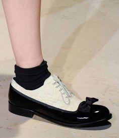 (7) コムデギャルソン, COMME DES GARÇONS : コンビカラー リボンつきの靴 COMME DES GARÇONS Two tone shoe | Sumally