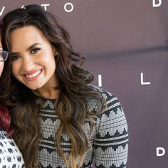 August 14: Demi Lovato at her meet and greet in Chula Vista, CA [HQs]