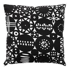 Retro is a stylish and sophisticated cushion cover inspired by the 60s. Perfect as a stylish interior detail in any room. The beautiful pattern is designed by Bengt