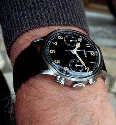 Watches Ideas omega – La Vintage du jour – Tome IV – Page 18 Discovred by : Todd Snyder Stylish Watches, Luxury Watches For Men, Cool Watches, Men's Watches, Patek Philippe, Bracelet Cuir, Bracelet Watch, Vintage Omega, Beautiful Watches