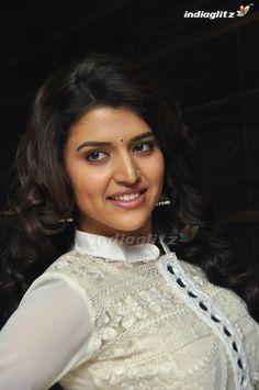 Beautiful Girl Indian, Beautiful Indian Actress, Beautiful Women, India Beauty, Asian Beauty, Goth Beauty, Beautiful Bollywood Actress, Tamil Actress Photos, South Indian Actress