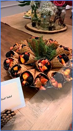 Waffle cones with chocolate inside, filled with fruit for woodland baby shower. … Waffle cones with chocolate inside, filled with fruit for woodland baby shower. Otoño Baby Shower, Fiesta Baby Shower, Baby Girl Shower Themes, Baby Shower Decorations For Boys, Baby Shower Centerpieces, Baby Shower Parties, Shower Cake, Shower Favors, Party Favors