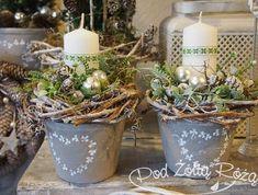 Christmas Flowers, Christmas Makes, Christmas Candles, Winter Christmas, Vintage Christmas, Christmas Ornament Crafts, Christmas Party Decorations, Christmas Centerpieces, Christmas Arrangements