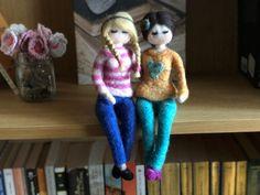 Muñecas personalizadas inspiración Waldorf | Etsy Color Del Pelo, Waldorf Dolls, Felt Dolls, Custom Dolls, Needle Felting, Etsy, Shapes, Make It Yourself, Wool