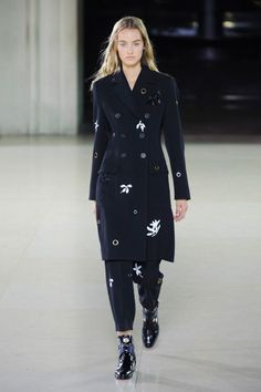 "<p tabindex=""-1"">Jonathan Saunders's spring 2015 collection show. Photo: Imaxtree</p>"