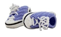 Cool baby sneakers - Lilly is Love Crochet For Kids, Diy Crochet, Baby Knitting Patterns, Crochet Patterns, Baby Converse, Baby Presents, Baby Sneakers, Crochet Shoes, Crochet Converse