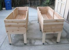 If you want to protect your plants or just improve the look of your garden, elevated garden beds can be a very good investment. #elevatedgardenbeds #raisedgardenbed #raisedgarden #gardenbed Elevated Planter Box, Elevated Garden Beds, Garden Planter Boxes, Cedar Planters, Raised Planter, Diy Planters, Raised Garden Beds, Raised Beds, Planter Ideas