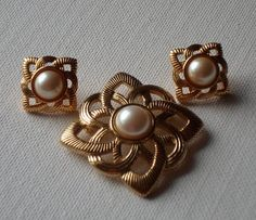 Vintage Avon Pearl Brooch and Earrings by LovelyShenanigans