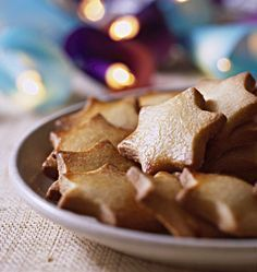 Almond and cinnamon shortbread (Christmas) - Ôdélices cooking recipes - Almond and cinnamon shortbread (Christmas), the Ôdélices recipe: find the ingredients, the prepar - Sweet Recipes, Snack Recipes, Dessert Recipes, Cooking Recipes, Snacks, Healthy Recipes, Desserts With Biscuits, Köstliche Desserts, Biscuit Cookies