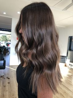Espresso hair color and waves Espresso hair color and waves Brown Ombre Hair, Brown Hair Balayage, Brown Blonde Hair, Ombre Hair Color, Brown Hair Colors, Hair Highlights, Natural Brown Hair, Brown Hair Inspo, Medium Blonde
