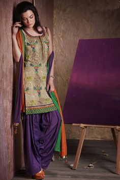 Dual color salwar kameez giving royal look