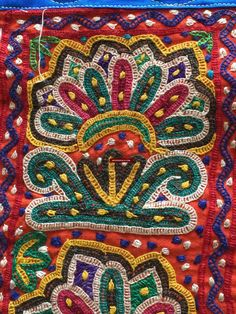 Indian Embroidery, Vintage Embroidery, Hand Embroidery, Embroidery Designs, Kutch Work Saree, Weaving Textiles, Vintage Textiles, Mochi, Textile Art