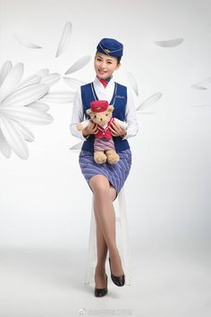 Beautiful Asian Girls, Gorgeous Women, China Southern Airlines, Airline Cabin Crew, Airline Uniforms, Stockings Legs, Lovely Legs, Flight Attendant, In Pantyhose