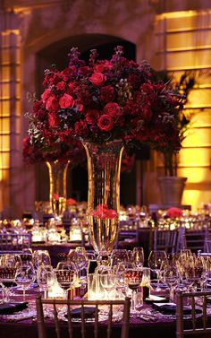 red reception wedding flowers, wedding decor, wedding flower centerpiece, wedding flower arrangement
