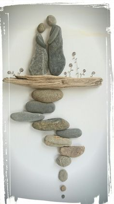 "Pebble Art: Pebbles and Driftwood are natural ""go-togethers"".....vwr"