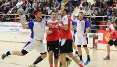 "Eternul derby al sportului romanesc, Steaua-Dinamo, si-a consumat astazi un nou episod, la handbal, ""militarii"" impunandu-se fara drept de apel, 28-20, in fata marilor rivali. Liga Nationala de H"