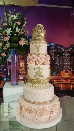 Vintage wedding cakes ideas simple vintage wedding cake ideas best images on beautiful cakes modern elegant Quinceanera Cakes, Quinceanera Decorations, Quinceanera Ideas, Amazing Wedding Cakes, Elegant Wedding Cakes, Diy Wedding, Wedding Reception, Wedding Flowers, Fancy Cakes