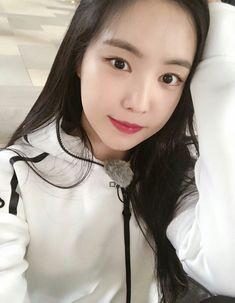 Kpop Girl Groups, Kpop Girls, Apink Naeun, Some Beautiful Images, Son Na Eun, Pink Panda, Rhythm And Blues, Music People, Popular Music