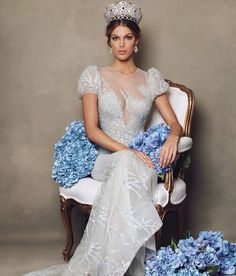Miss Universe 2016 Iris Mittenaere. She looks like a princess. Miss Univers 2017, Miss Independent, Women Lawyer, Miss World, Beauty Pageant, Tie Dress, Beauty Queens, Vintage Beauty, Photoshoot