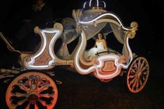 carruaje carroza fiesta de 15 años (2) Creation Deco, Creations, Ideas, Brown Skirts, Cinderella Dresses, Glass Slipper, Weddings, Thoughts