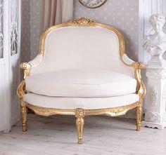 narożna sofa w stylu barokowym