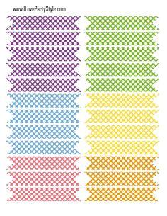 FREE printable polka dot DIY straw flags.