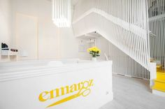 KISSMIKLOS has designed Emmaroz, a women's tailor and clothing store in Szeged, Hungary.