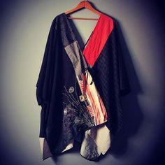 Tusancat Floral 1 Black Red Women Tops Polyester Casual V Neck Long Sleeve Going Out Tops – tusancat Upcycled Textiles, Upcycled Clothing, Women's Clothing, Moda Kimono, Hippy Chic, Kimono Dress, Kimono Fashion, Casual Tops, V Neck Tops