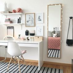 The ideal study room design is one that accommodates studying and looks good. Want to make such a room for yourself? Check out these study room ideas Study Room Decor, Room Decor, Room Inspiration, Bedroom Decor, Room Ideas Bedroom, Interior, Bedroom Design, Home Office Decor, Home Decor