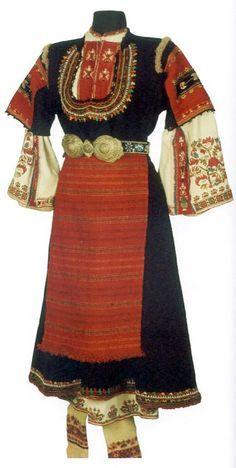 Costume and embroidery from Samokov district, Shopluk, Bulgaria Folk Fashion, Ethnic Fashion, Historical Costume, Historical Clothing, Vintage Outfits, Folk Clothing, Ethnic Dress, Festival Dress, Folk Costume