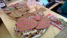 Uma empresa Finlandesa de autocarros, a Matkahuolto, decidiu espalhar algum espírito festivo permitindo que os seus passageiros pagassem uma viagem de ida com biscoitos de gengibre