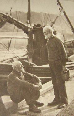 Fishermen of Eyemouth Photographs Of People, Vintage Photographs, Vintage Photos, Old Pictures, Old Photos, Cultura Judaica, Vintage Street Fashion, Sea Captain, Photo Black