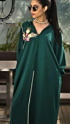 Abaya Fashion, Modest Fashion, Fashion Dresses, Oriental Dress, Oriental Fashion, Kaftan Designs, Mode Abaya, Kaftan Style, Moroccan Caftan