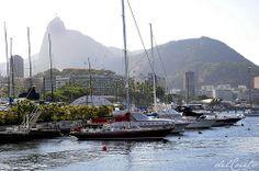 Urca 140111 079 Iate clube do Rio de Janeiro com Cristo Redentor ao fundo htpp://delcueto.wordpress.com