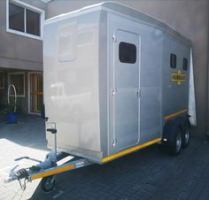 If a spacious 2 berth horsebox is something you are after then our Notos Xtra is for you!! The Notos Xtra has a super spacious tackroom and loading area and headspace is definitely no problem with this box.  Get in touch on 021 511 4614 or info@humbaur.co.za  _______________________________________ #humbaursa #humbaur #horseboxessa #eventingsa #dressagesa #showjumpingsa #horseriding #horses #instahorse #dressage #showjumping #eventing Headspace, Show Jumping, Dressage, Recreational Vehicles, Horses, Touch, Box, Instagram, Snare Drum