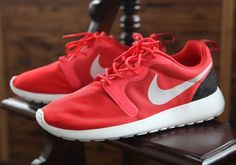 Nike Roshe Course Hyperfuse Lumière Rouge  / Platine Pur  / Robe Noire