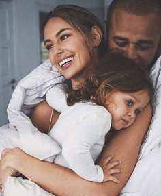 Happy moments by Mathilde Jensen via Baby Family, Family Love, Family Kids, Young Family, Beautiful Family, Cute Family Photos, Beautiful Wife, Friends Family, Family Goals