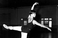 Danza Ballet® & Body Ballet® Clases e Intensivos de verano (julio & agosto)  + info@carolinadepedro.com  Bailarina Leslie Caron.