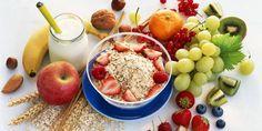 Sağlıklı bir diyet, kalp krizinden kurtulmada önemli bir rol oynamaktadır. Kaçınılması gereken yiyecekler işlenmiş, yüksek yağlı etler ve yüksek yağlı süt