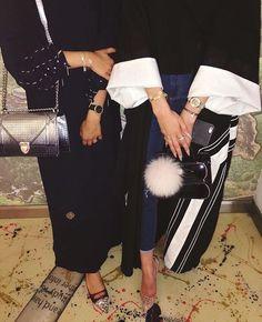 IG: _AsmaAlkuwari    IG: BeautiifulinBlack    Abaya Fashion   