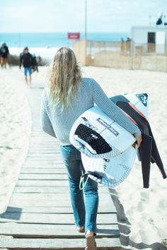On her way! Steph heading to the #ROXYpro France