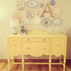 Step by step on painting old furniture