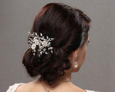 bridal hair pins rhinestone wedding headpiece pearl flower hair comb wedding hair style fascinator hair piece rose gold silver gold blush romantic sparkly hair vine