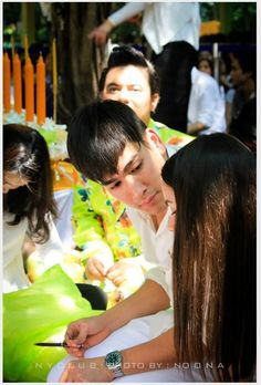 notice that hair clip on nadech's hand? it was meant for yaya <3 such a caring bf awww