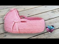 New baby carrier pattern moses basket ideas Baby Moses, Crochet Basket Pattern, Crochet Patterns, Lidia Crochet Tricot, Crochet Diy, Baby Baskets, Baby Bassinet, Bassinet Ideas, Moses Basket