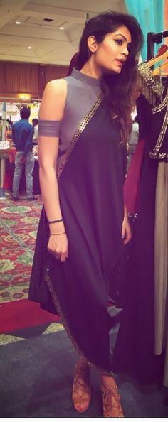 Indo-western Kurti In Kaftan. Indian Attire, Indian Wear, Pakistani Dresses, Indian Dresses, Indian Wedding Outfits, Indian Outfits, Stylish Dresses, Fashion Dresses, Look Short