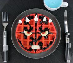 Darth Maul Waffles Are The Perfect Star Wars Breakfast - Global Geek News Star Wars Themed Food, Star Wars Party Food, Star Wars Food, Star Wars Cake, Star Wars Essen, Cuadros Star Wars, Star Wars Crafts, Ange Demon, Star Wars Birthday